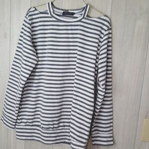 Cold shoulder striped long sleeved tee Sz M